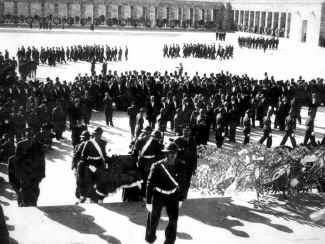 Ataturk11.jpg (89738 bytes)