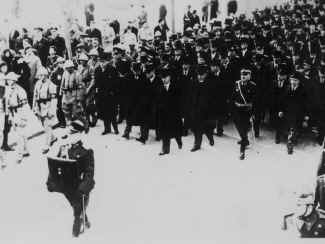 Ataturk21.jpg (57820 bytes)