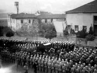 Ataturk24.jpg (70155 bytes)