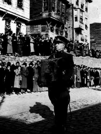 Ataturk27.jpg (75818 bytes)