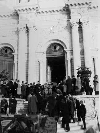 Ataturk29.jpg (61636 bytes)