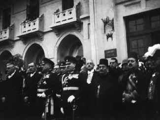 Ataturk36.jpg (51774 bytes)