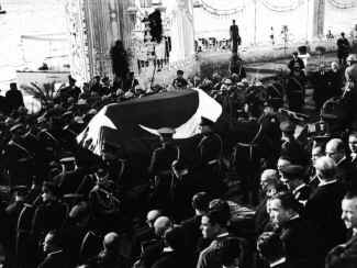 Ataturk40.jpg (71252 bytes)