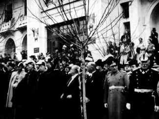 Ataturk49.jpg (71497 bytes)
