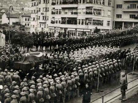 Ataturk9.jpg (95492 bytes)