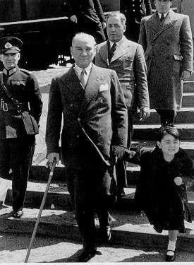 Atatürk Köşesi 17 Haziran 2019,